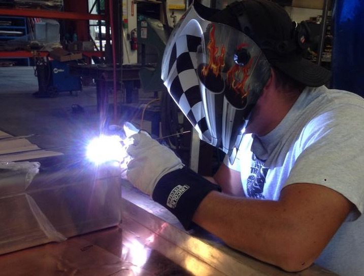 reshoring manufacturing metal fabrication